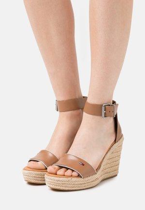 ESSENTIAL WEDGE - Platform sandals - summer cognac