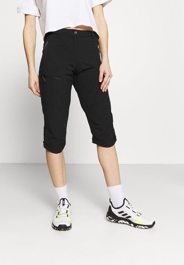 BEATTIE - Pantalon 3/4 de sport - black