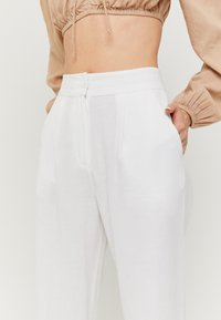 TALLY WEiJL - Trousers - white - 3