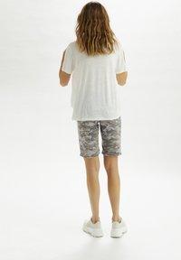 Cream - Denim shorts - grey camouflage - 2