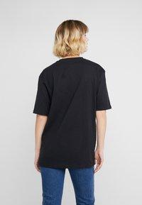 Bruuns Bazaar - LYNN ALBERTE  - Print T-shirt - black - 2