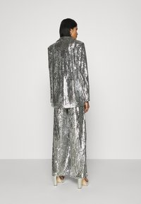 NA-KD - OVERSIZED SEQUIN - Short coat - silver