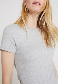 GAP - MOD CREW - Basic T-shirt - heather grey - 4