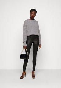 PIECES Tall - PCSKIN PARO GLITTER - Leggings - Trousers - black - 1