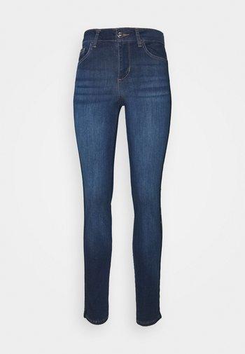 DIVINE - Jeans Skinny Fit - blue denim
