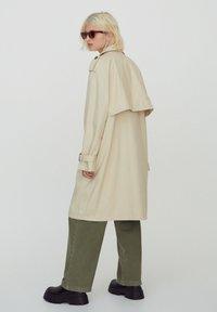 PULL&BEAR - Trenchcoat - beige - 0