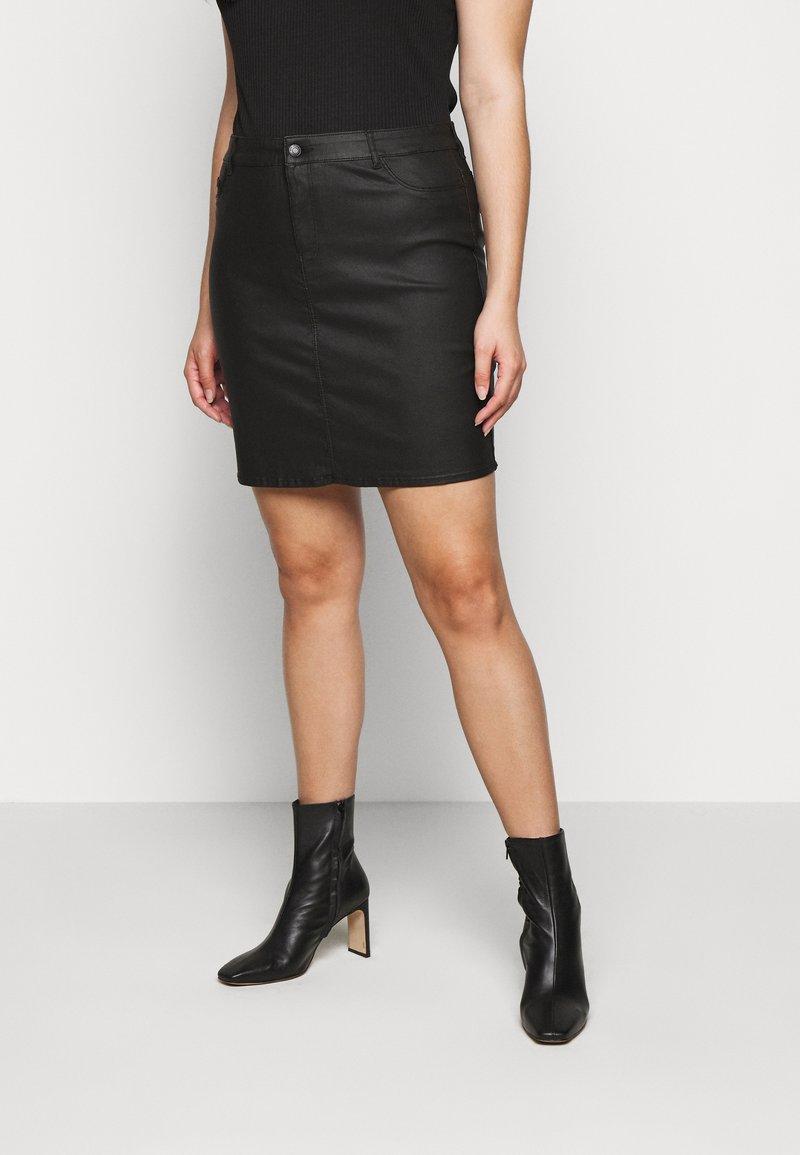 Vero Moda Curve - VMSEVEN SHORT SKIRT - Mini skirt - black
