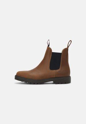 SYDNEY UNISEX - Classic ankle boots - cognac/navy