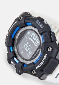 G-SHOCK - G-SQUAD - Digital watch - white - 4