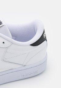 Reebok Classic - CLUB C 85 - Tenisky - footwear white/core black - 5