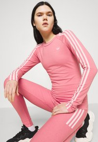 adidas Originals - LONG SLEEVE TEE - T-shirt à manches longues - hazy rose/white - 4