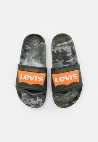Levi's® - POOL - Muiltjes - green/orange - 3