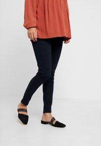 Dorothy Perkins Maternity - UNDERBUMP EDEN - Jeans Slim Fit - blue/black - 2