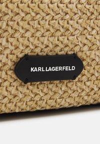 KARL LAGERFELD - EXCLUSIVE BIARRITZ TOTE - Cabas - natural - 4