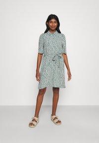 Vero Moda - VMLIVA SHORT SHIRT DRESS - Shirt dress - laurel wreath/liva - 0