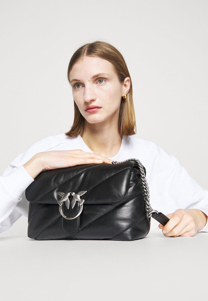 Pinko - LOVE CLASSIC PUFF MAXI QUILT - Across body bag - black