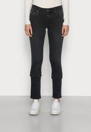 LINDY - Slim fit jeans - deep smoke super shape