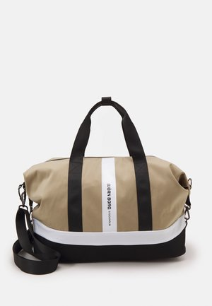 IRMA SPORTS BAG - Bolsa de deporte - beige
