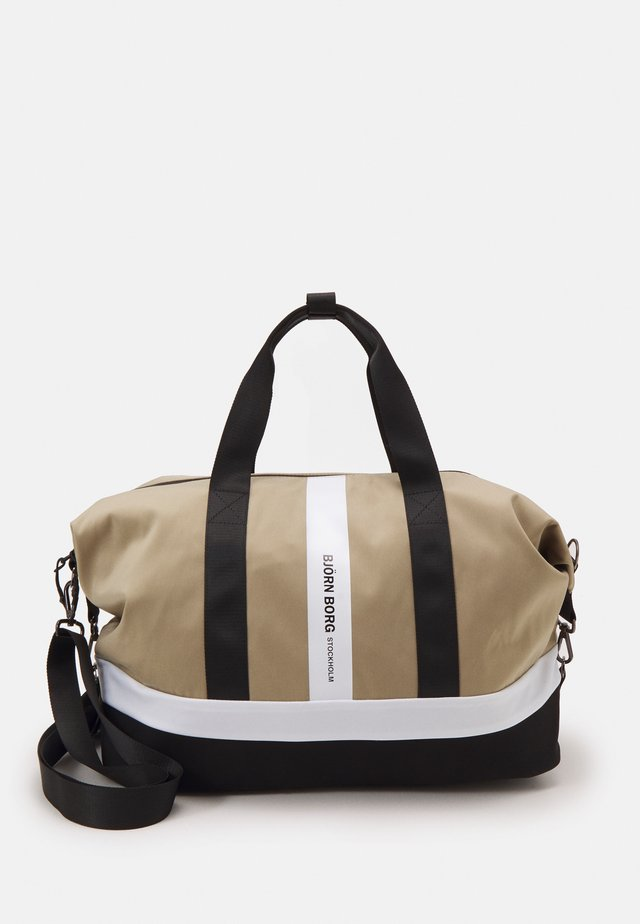 IRMA SPORTS BAG - Sporttasche - beige
