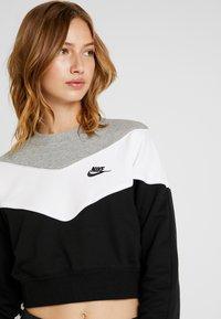 Nike Sportswear - Bluza - black/white - 3