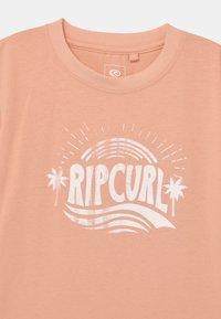 Rip Curl - SUNNY DAY GIRL - Print T-shirt - peach - 2