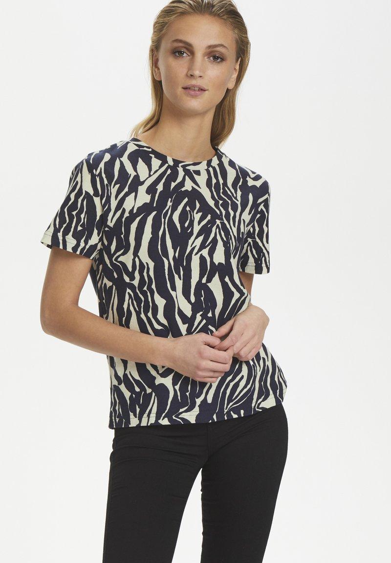 Soaked in Luxury - SLSALLIE  - Print T-shirt - zebra strokes blue