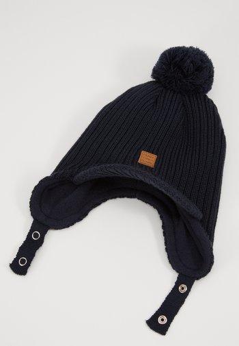 FREDDIE HAT
