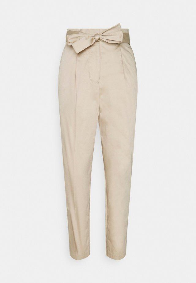 PANTS CIGARETTE - Broek - linen beige