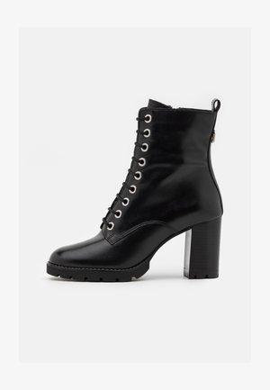 PASSO - Šněrovací kotníkové boty - black