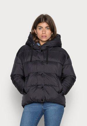 VMGEMMAHOLLY SHORT JACKET - Winter jacket - black