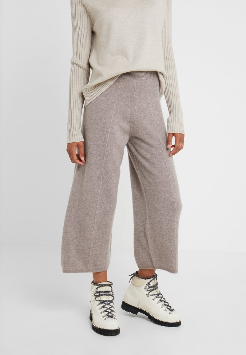 pure cashmere - LOOSE FIT PANTS - Trousers - beige