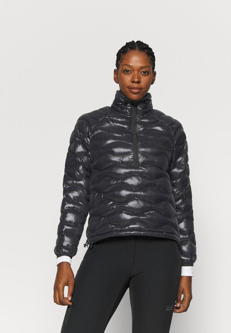 Peak Performance - HELIUM CITY LINER - Winter jacket - black