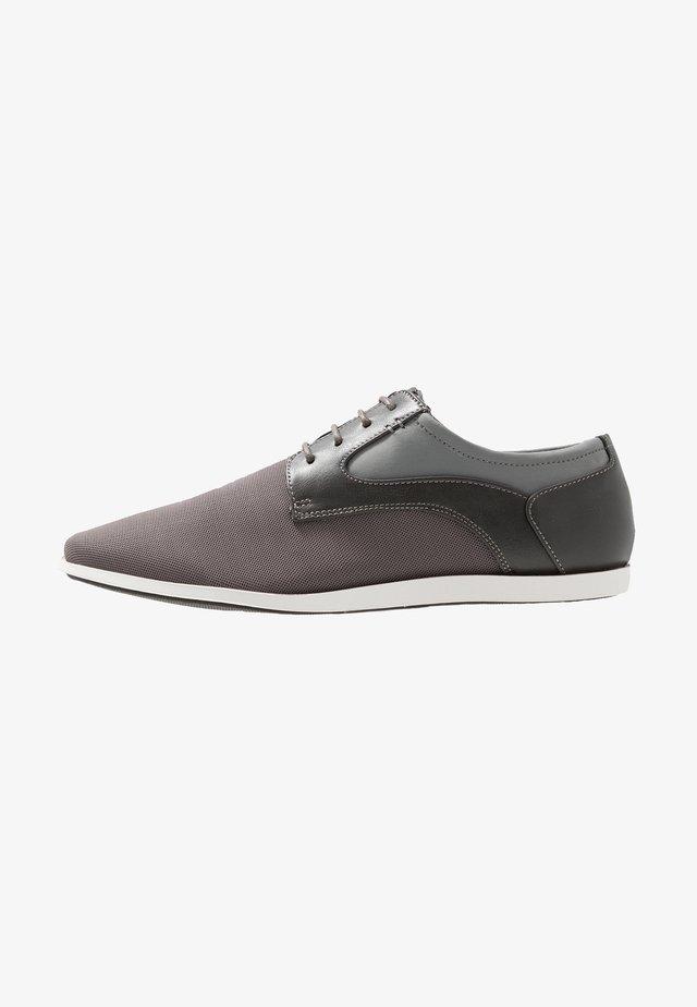ZENO - Sportieve veterschoenen - grey