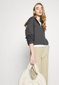NU-IN - ELASTICATED HEM HALF ZIP HOODIE - Sweatshirt - dark grey - 3