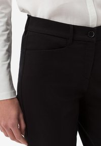 BRAX - STYLE MARA S - Pantalon classique - perma black - 3