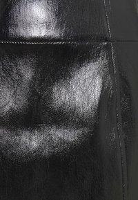 Free People - HOLDING ONTO A DREAM COATED - Mini skirt - black - 2