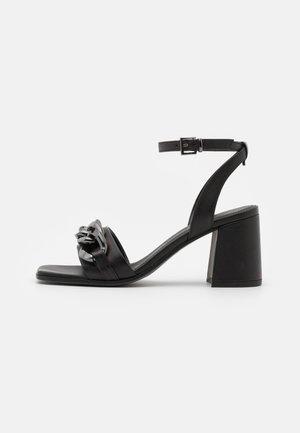 LOU - Sandály - schwarz