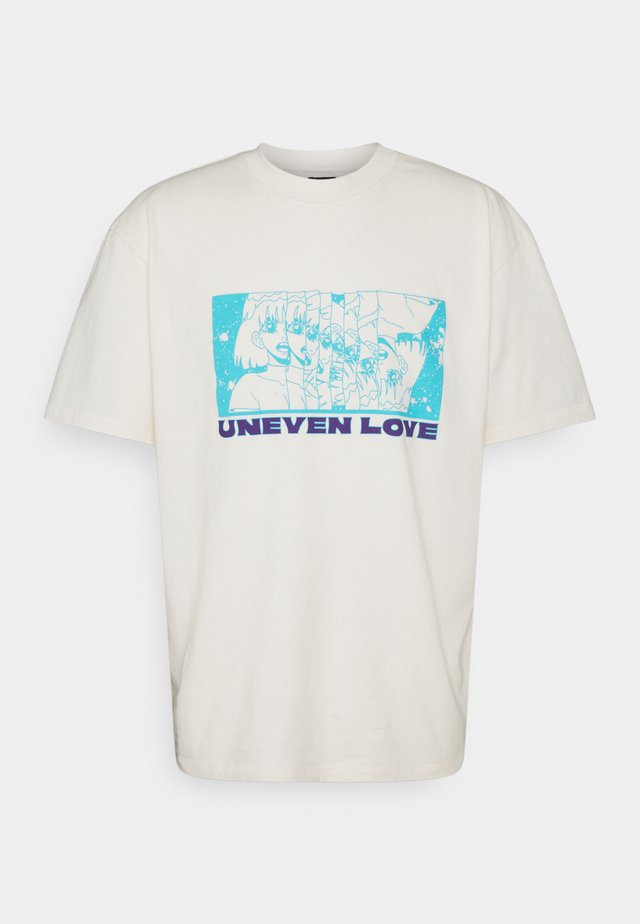 UNEVEN LOVE UNISEX - Printtipaita - whisper white