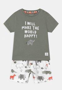 Staccato - SET - Print T-shirt - khaki/multi-coloured - 0