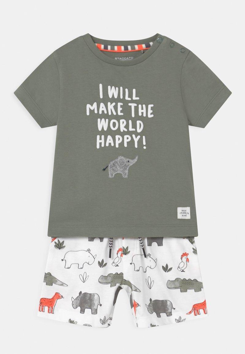 Staccato - SET - Print T-shirt - khaki/multi-coloured