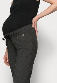 GAP Maternity - UNDERBELLY MIX - Teplákové kalhoty - true black - 3