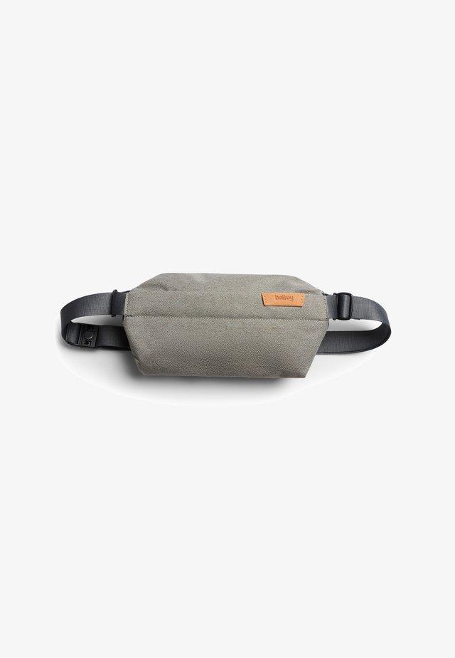 SLING MINI - Bum bag - limestone
