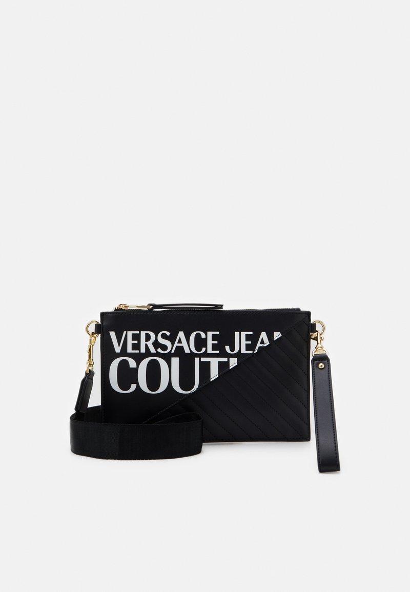 Versace Jeans Couture - MEDIUM POUCH LOGO - Clutch - nero