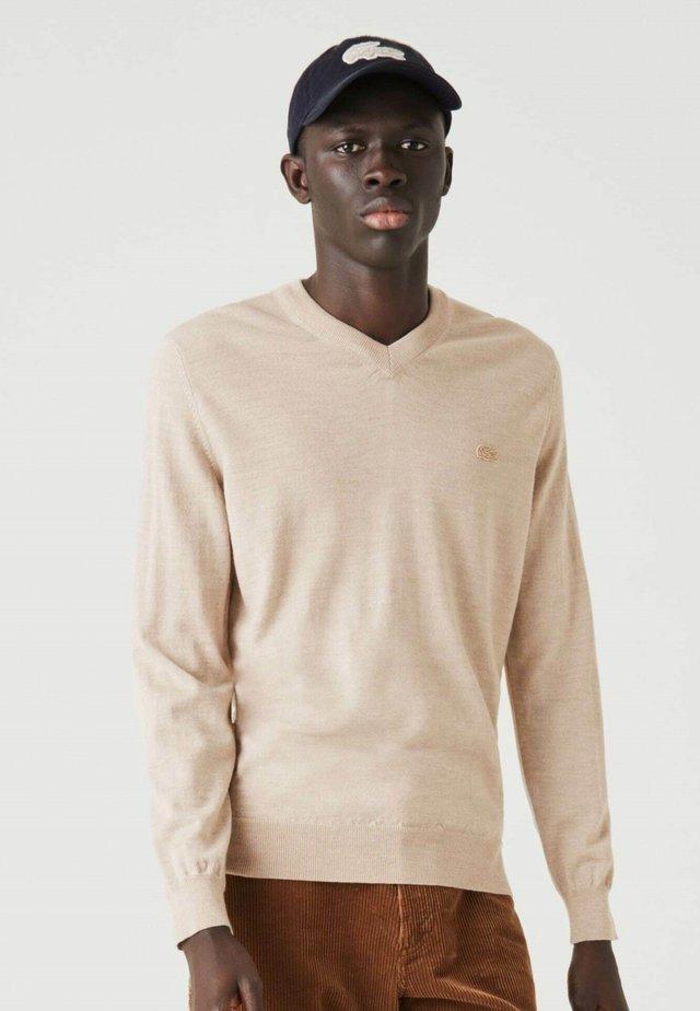 AH1990 - Pullover - beige