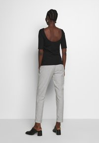 Zign - T-shirt con stampa - black - 2