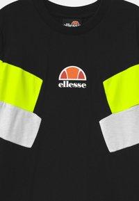 Ellesse - JONARO - Camiseta estampada - black - 2