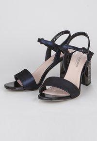 TJ Collection - High heeled sandals - dark blue - 3