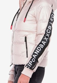 Cipo & Baxx - MIT WÄRMENDER KAPUZE - Winter jacket - pinksilver - 3