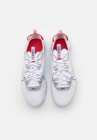 Nike Sportswear - REACT VISION - Baskets basses - white/game royal/pure platinum - 3