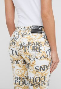 Versace Jeans Couture - Jeans Skinny Fit - white - 5